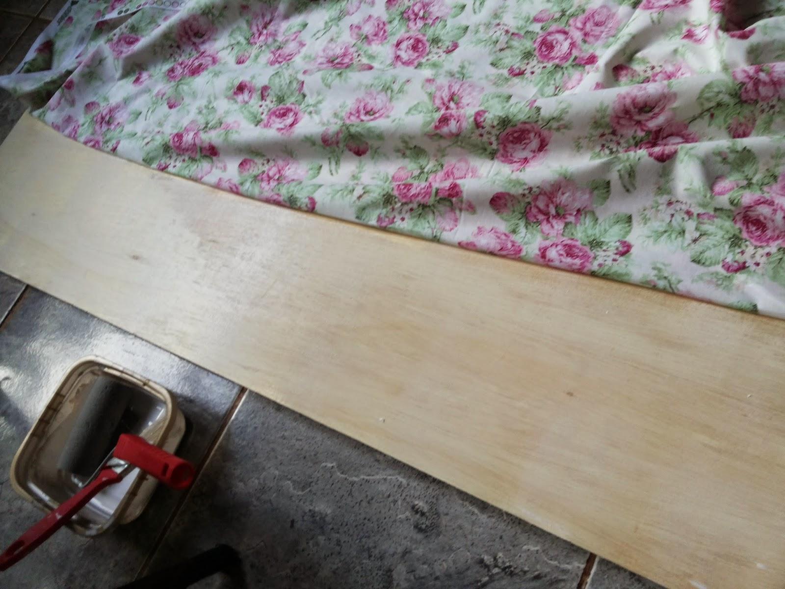 Como minha casa é de madeira precisava de um fundo bonito. Comprei  #64393E 1600x1200