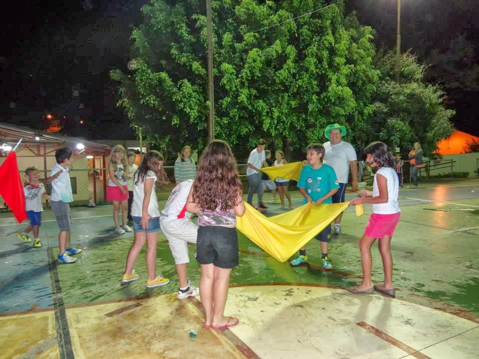 Preferência Personal Play Eventos: Acampa - Dentro um acampamento diferente UZ32