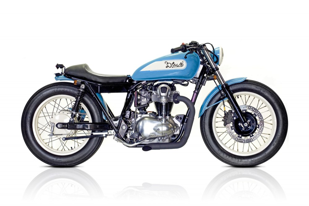 racing caf kawasaki w650 blue swingbob by deus. Black Bedroom Furniture Sets. Home Design Ideas