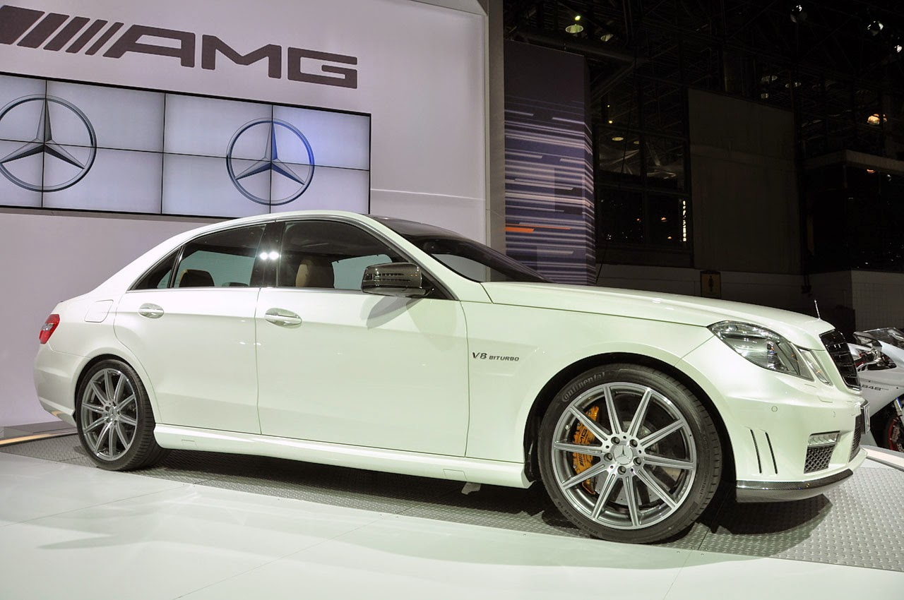 Gambar Mobil Sport Mewah Mercedes-Benz E 63 AMG