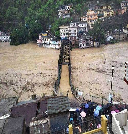 Kedarnath_flood_2013_photo