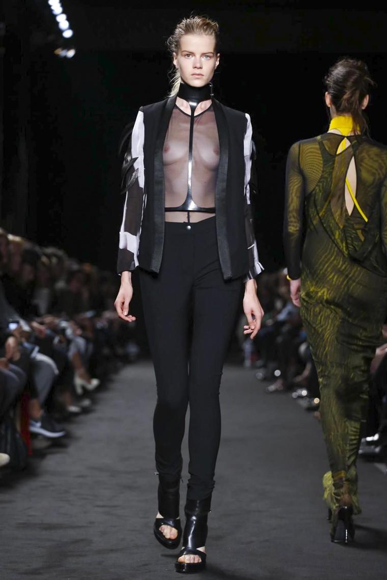 Ann-Demeulemeester, Ann-Demeulemeester-ss16, Ann-Demeulemeester-spring-summer, Ann-Demeulemeester-spring-summer-2016, Ann-Demeulemeester-spring, Ann-Demeulemeester-printemps-eté, Ann-Demeulemeester-printemps-ete-2016, du-dessin-aux-podiums, dudessinauxpodiums, vintage-look, dress-to-impress, dress-for-less, boho, unique-vintage, alloy-clothing, venus-clothing, la-moda, spring-trends, tendance, tendance-de-mode, blog-de-mode, fashion-blog, blog-mode, mode-paris, paris-mode, fashion-news, designer, fashion-designer, moda-in-pelle, ross-dress-for-less, fashion-magazines, fashion-blogs, mode-a-toi, revista-de-moda, vintage, vintage-definition, vintage-retro, top-fashion, suits-online, blog-de-moda, blog-moda, ropa, asos dresses, blogs-de-moda, dresses, tunique-femme, vetements-femmes, fashion-tops, womens-fashions, vetement-tendance, fashion-dresses, ladies-clothes, robes-de-soiree, robe-bustier, robe-sexy, sexy-dress