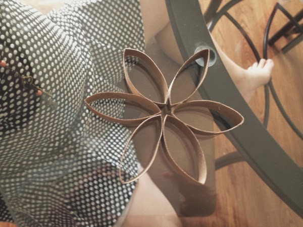 DIY Christmas Ornament: Toilet Paper Roll Flower