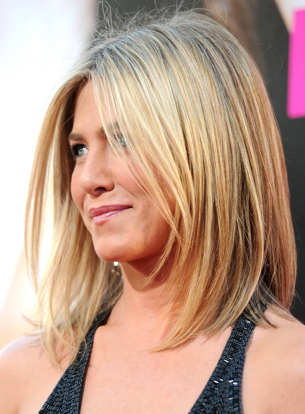 http://3.bp.blogspot.com/-B25Cta_FG0M/UN1dZ6hTyvI/AAAAAAAAp9A/U_Yyxysq3xA/s1600/jen-aniston-lob-hairstyle.jpg