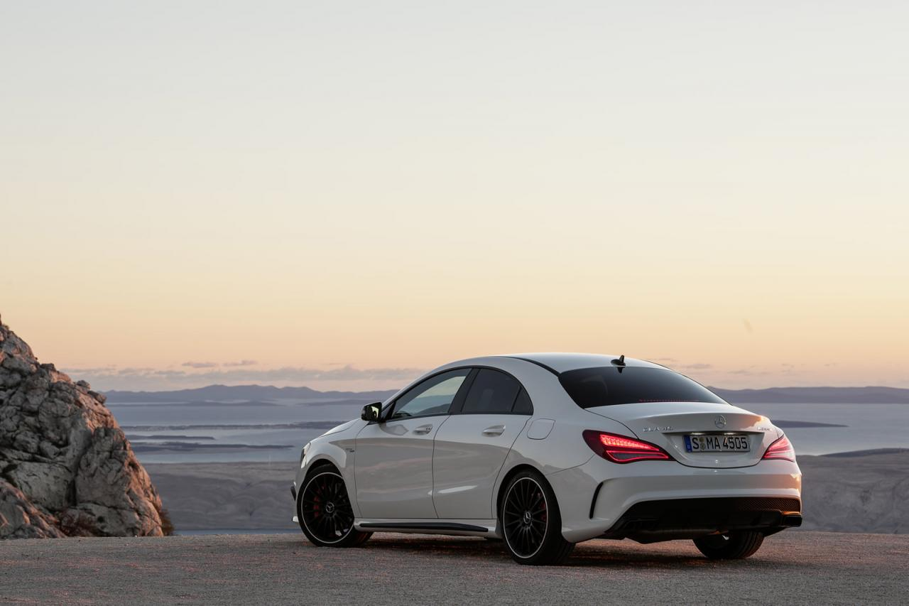 In4ride mercedes benz cla 45 amg breaks cover for Mercedes benz a 45 amg 4matic