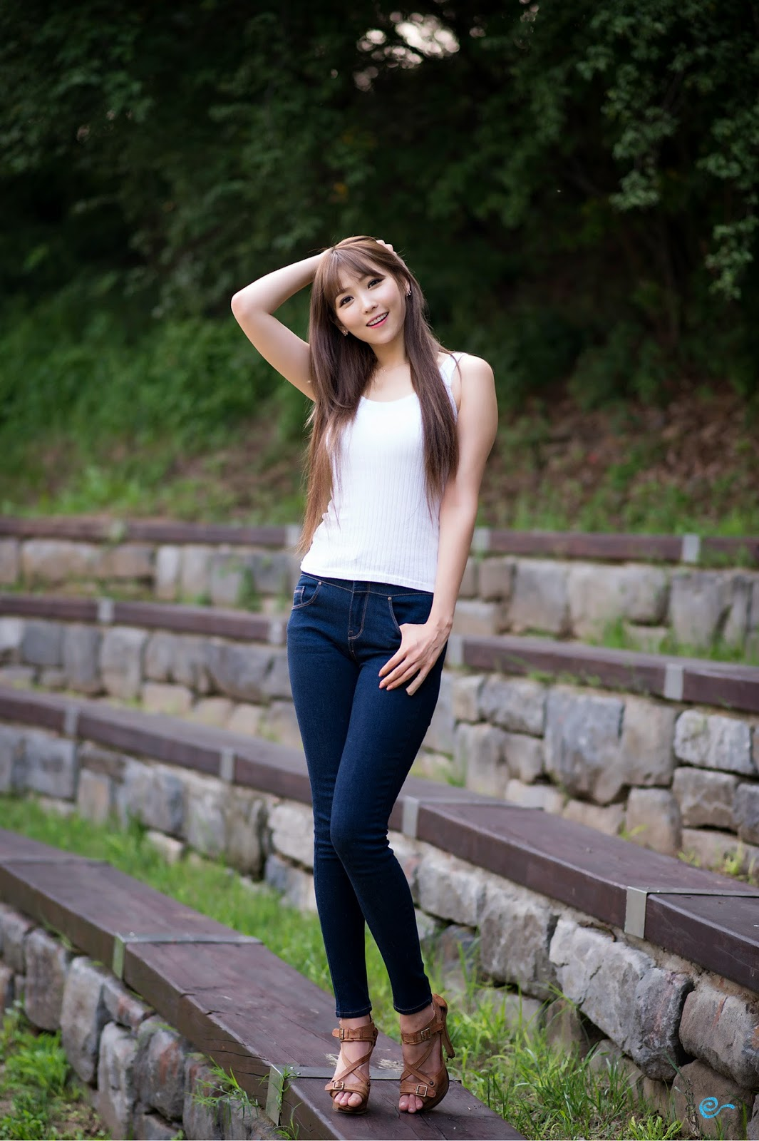 4 Lovely Lee Eun Hye In Outdoor Photo Shoot - very cute asian girl - girlcute4u.blogspot.com