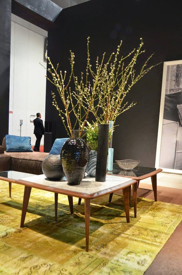 Sofa, Sessel und Beistelltisch von Vibieffe - italienisches Design zum Wohnen auf der Mailänder Möbelmesse Salone del Mobile 2014