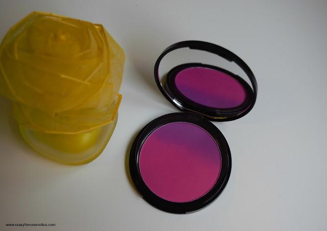 NYX Ombre Blush in the shade Code Breaker