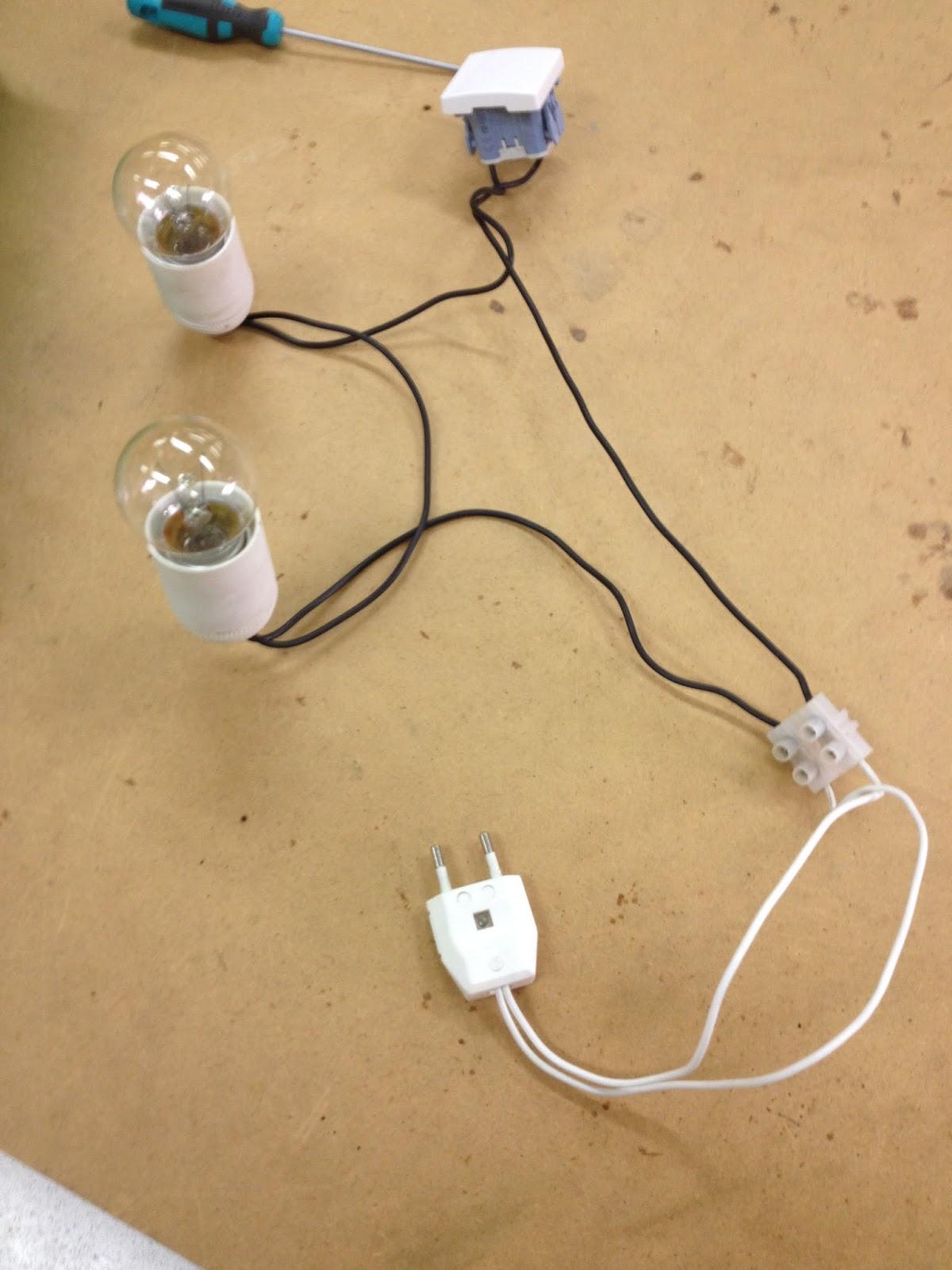 Captura con sara 2 circuito compuesto por dos lamparas en - Interruptores para lamparas ...