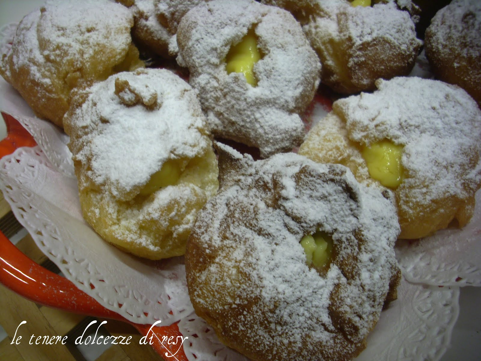 Le tenere dolcezze di resy bign fritti ripieni di crema for Dolci romani