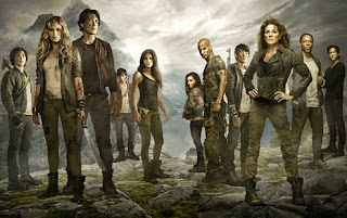 Promotional image of most the cast of The 100