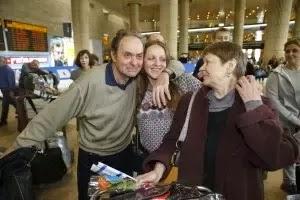 Judeus refugiados da Ucrânia chegam em Israel