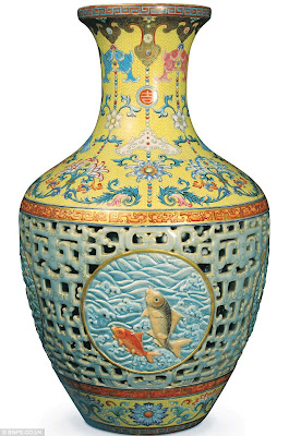 Bonhams brokers deal Bainbridge Qianlong Vase