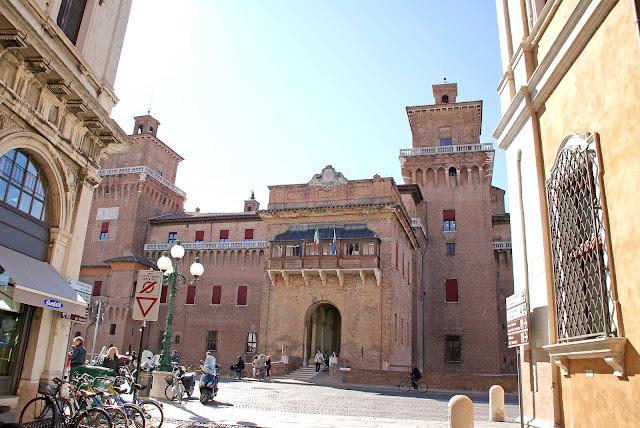 Castello-Estense-en-Ferrara-Italia