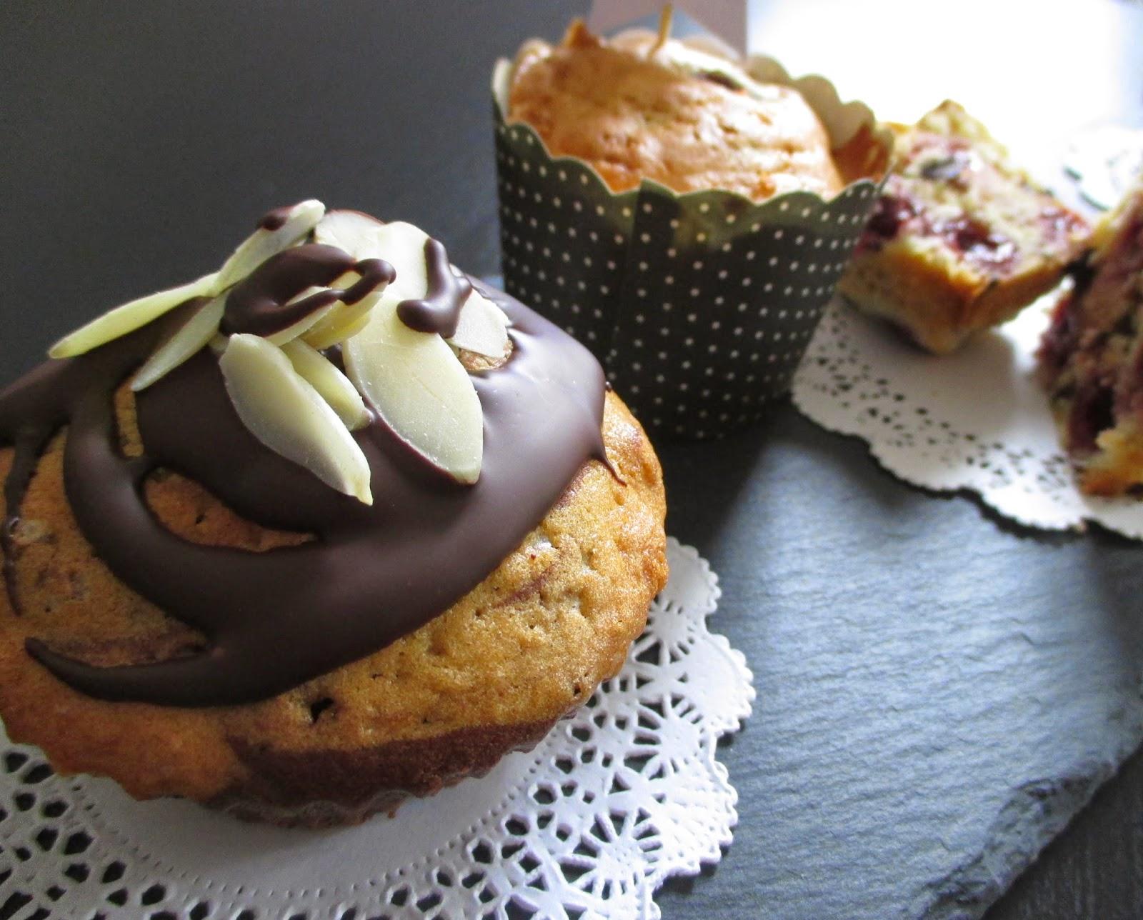 sehnsuchtssachen kirsch buttermilch muffins. Black Bedroom Furniture Sets. Home Design Ideas