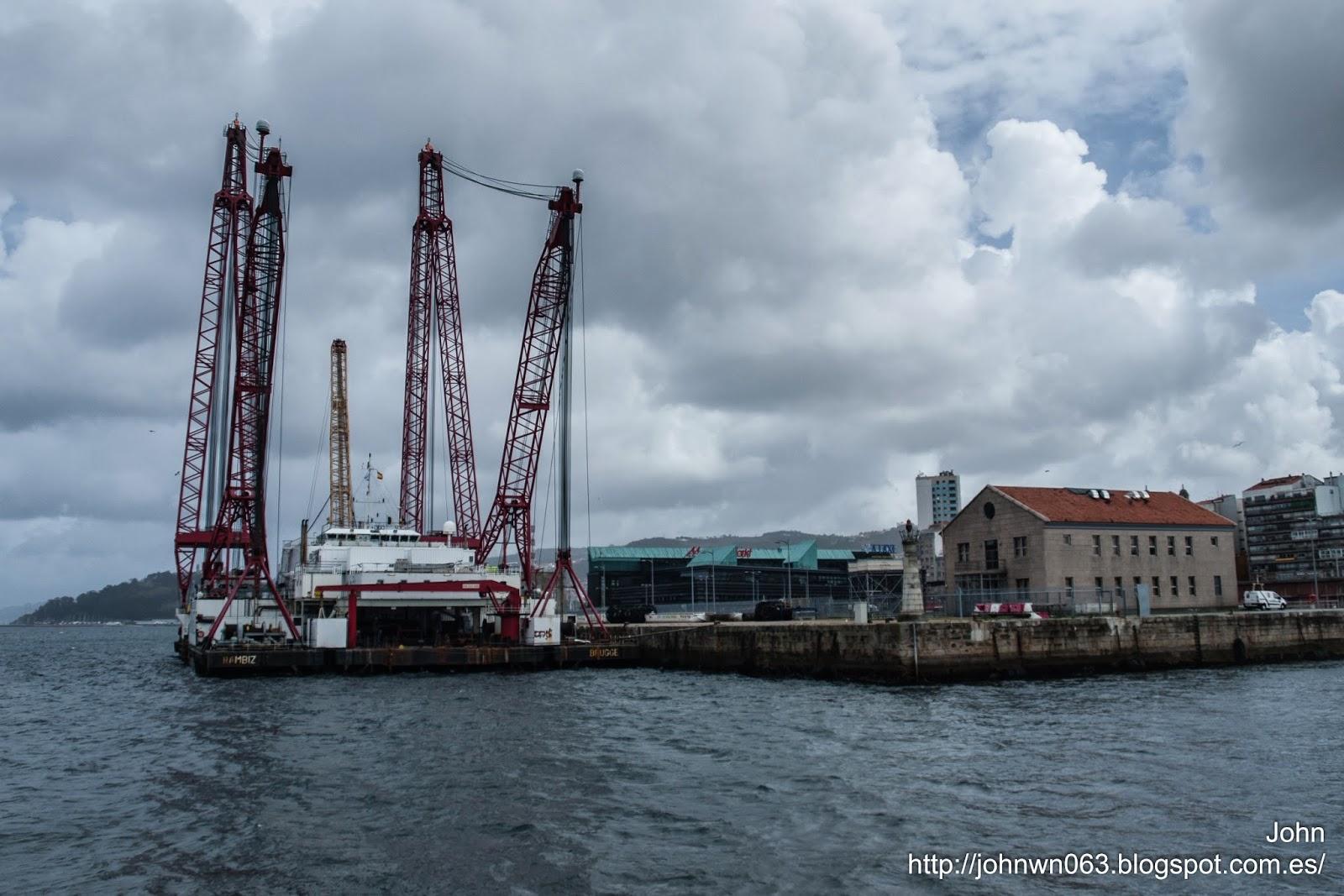 rambiz, grua flotante, crane, fotos de barcos, imagenes de barcos, tecnologia
