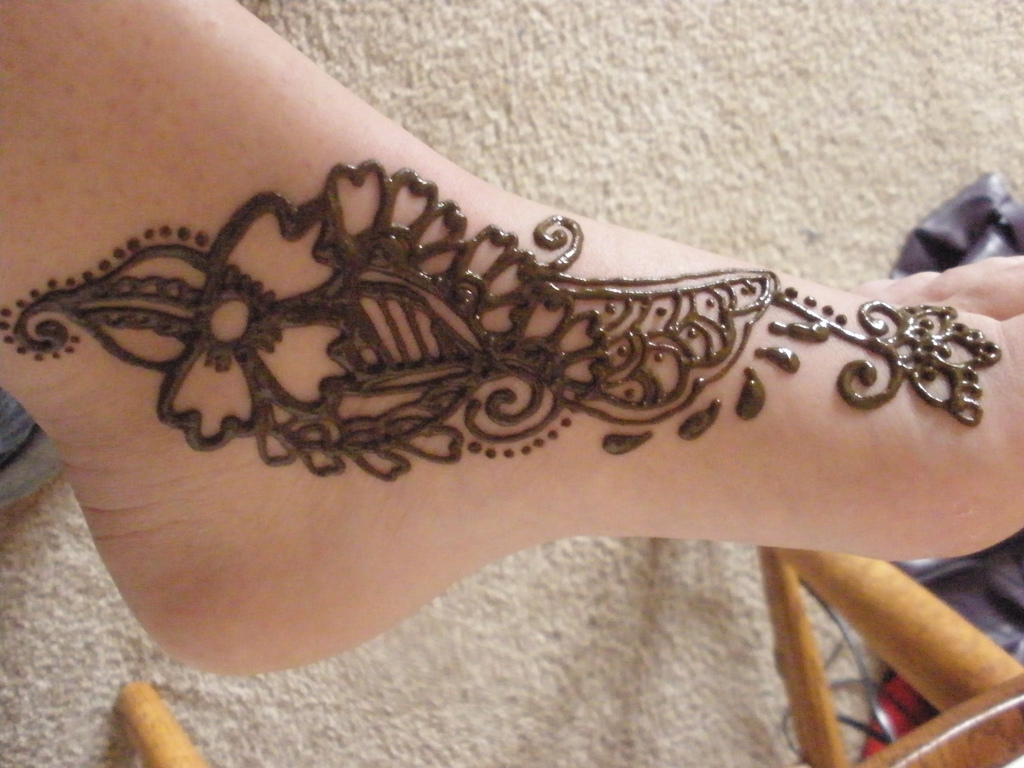 Mehndi Leg Easy Designs : Top easy and quick feet henna designs for beginners