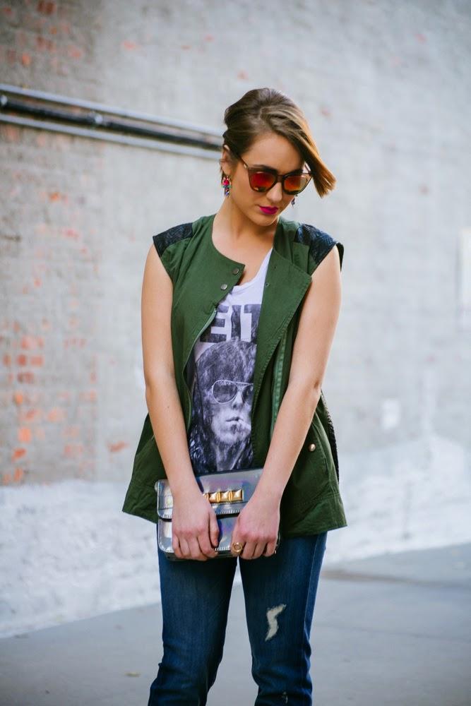 boyfriend jeans + screen print tee   In good faith, Tess