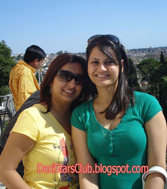Tourist Desi Girls
