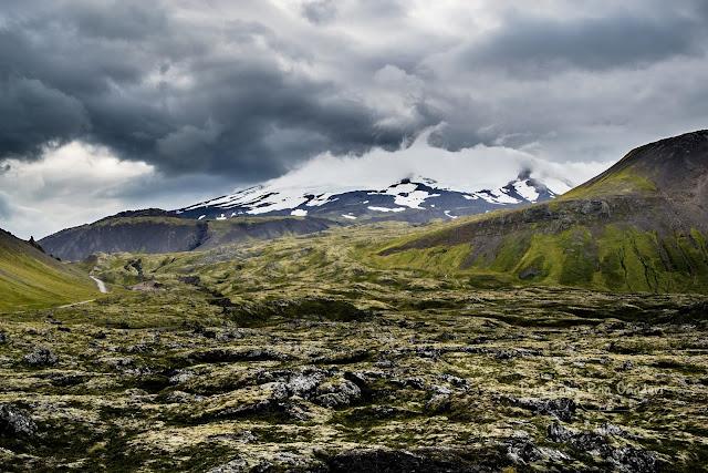 honeymoon-iceland-kirkjufell-snefellsjokull-volcano-31
