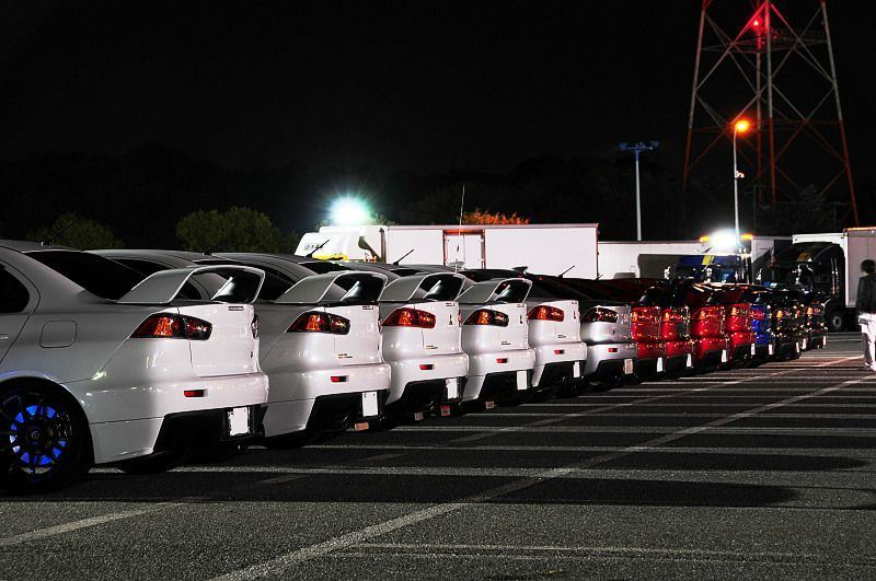 Mitsubishi Lancer Evolution X nocny zlot