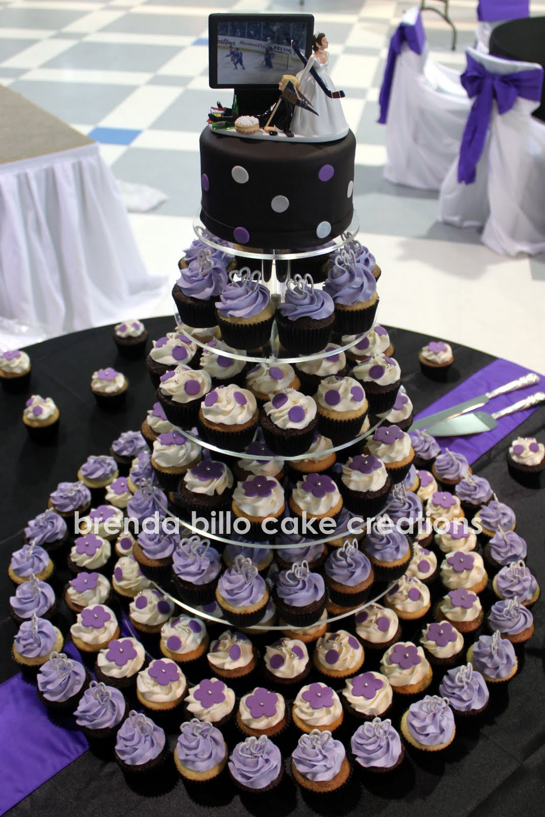 Brenda Billo Cake Creations purple & black cupcakes