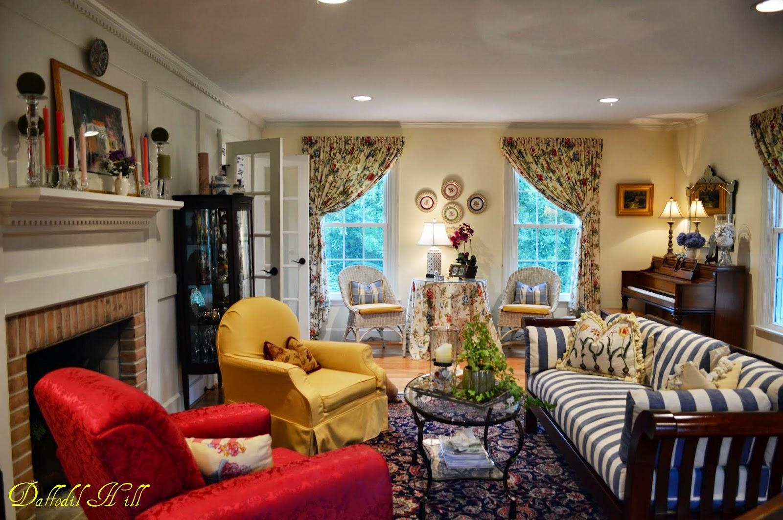 Dutch Colonial Home tour in Maryland - Debbiedoos