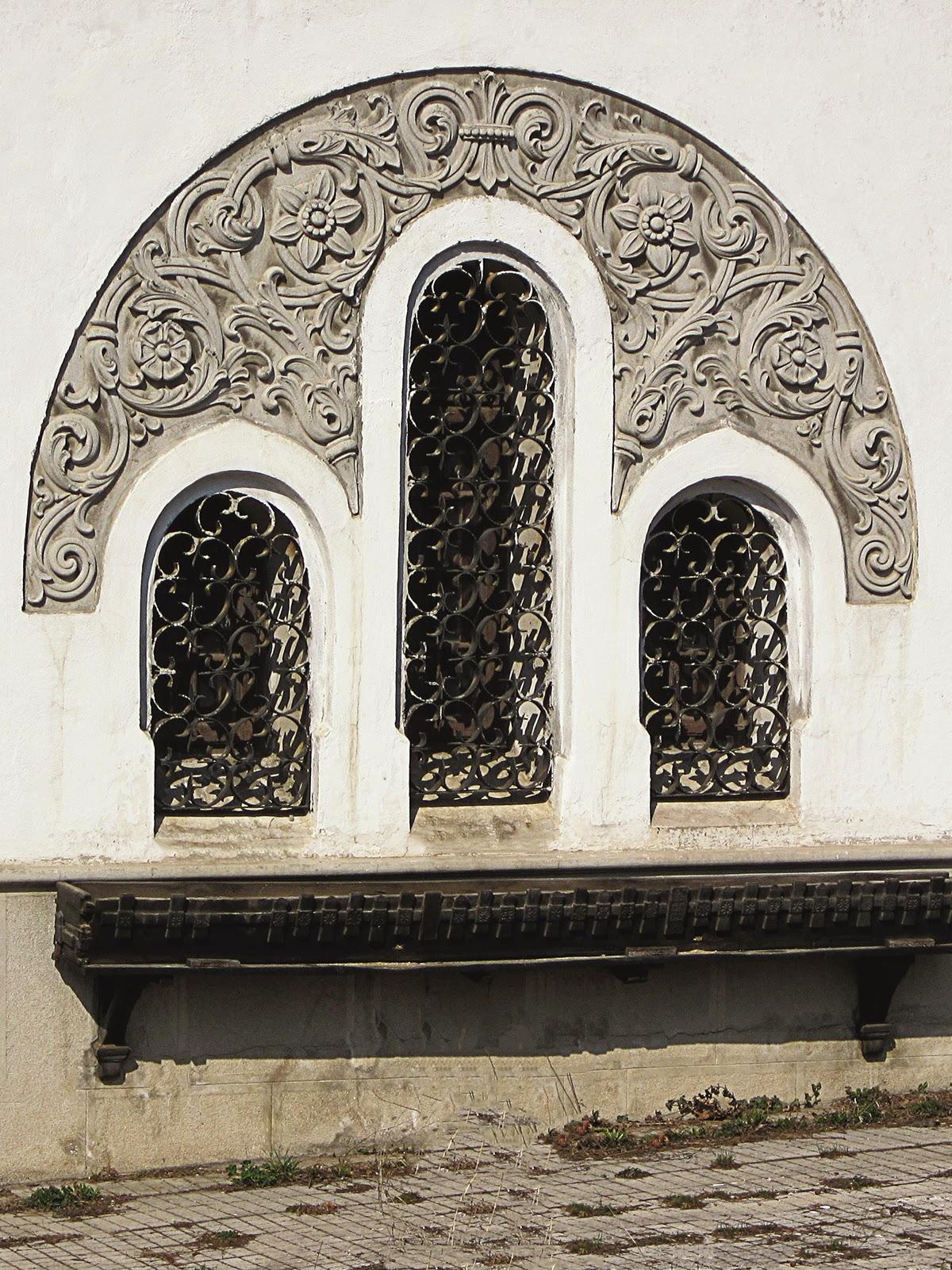 ancadramente ferestre neoromanesti cu arcada din polistiren