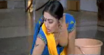 Mallu Reshma Hot Aunty In Blue Blouse Showing Her Body