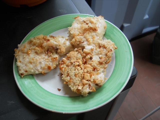 petto di pollo con panatura di frutta secca e zenzero