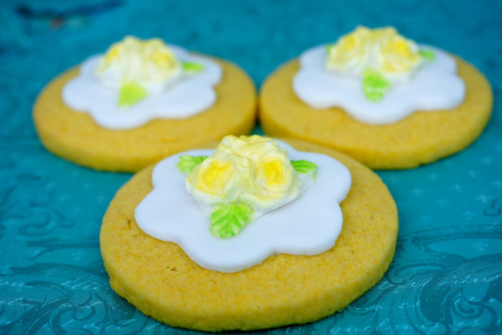 Adventures in Sugarland: Triple Rose Lemon Polenta Cookies