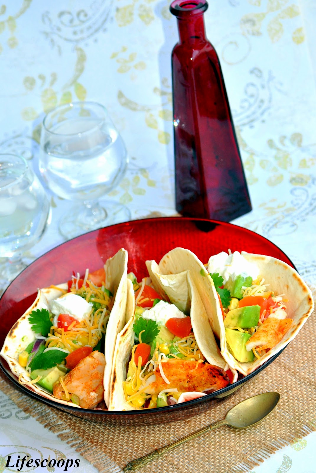 Life scoops grilled fish tacos with pico de gallo for Fish grill pico