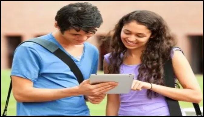 هل سيمنح الطلبه ألواحا رقمية والأساتذة هواتف ذكية ؟