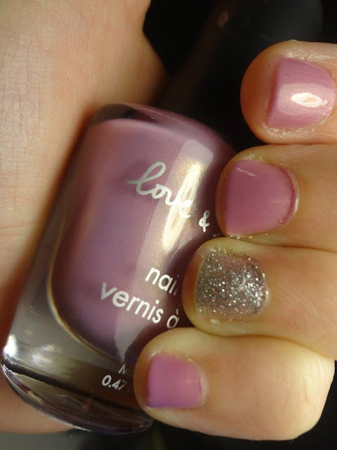 love and beauty orchid polish with silver glitter accent nail