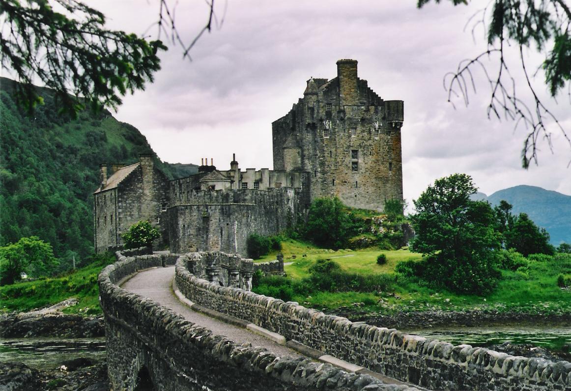http://3.bp.blogspot.com/-B5ua8ZvsoMY/TrkzDvLeUlI/AAAAAAAAD64/rvUdTcEWbr8/s1600/Eilean_donan_castle.jpg