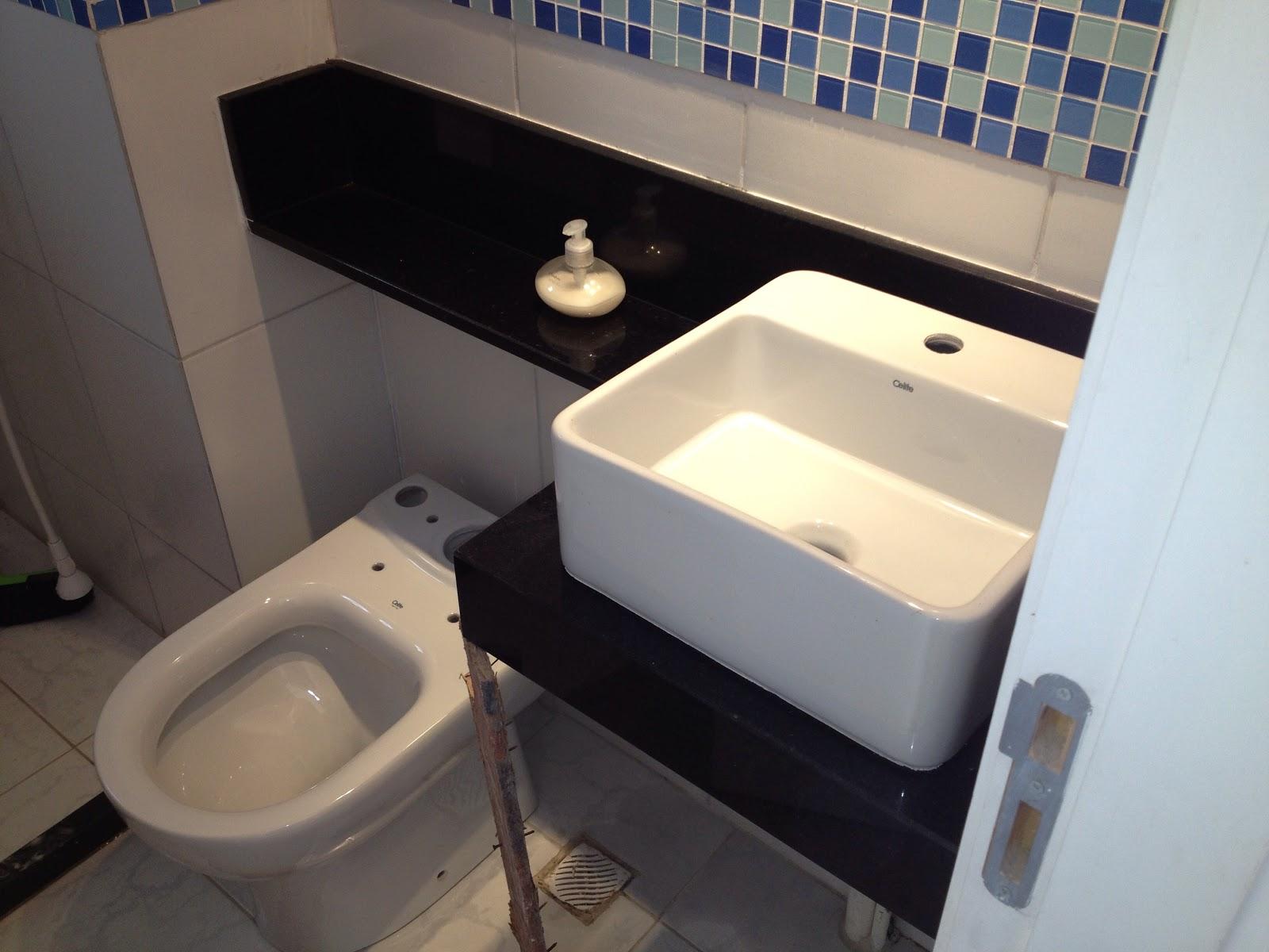 Apê da Dinha e do Alê Granito Cozinha + Banheiro -> Armario De Banheiro Com Pia Ferreira Costa