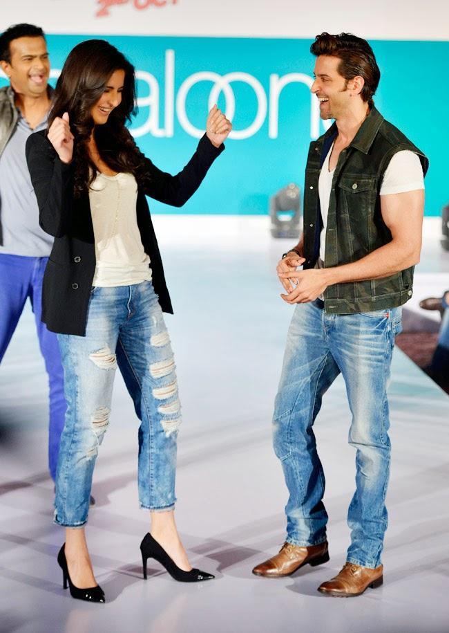 Hrithik Roshan and Katrina Kaif walked for Pantaloons Fashion Show Pics