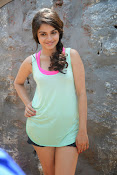 Sheena shahabadi sizzling pics-thumbnail-9