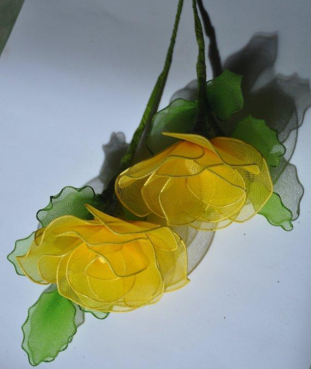 Cặp đôi hoàn hảo 2011 lam%2Bhoa%2Bhong%2Bvai%2Bvoan%2B10 Hướng dẫn làm hoa hồng bằng vải voan cực đẹp