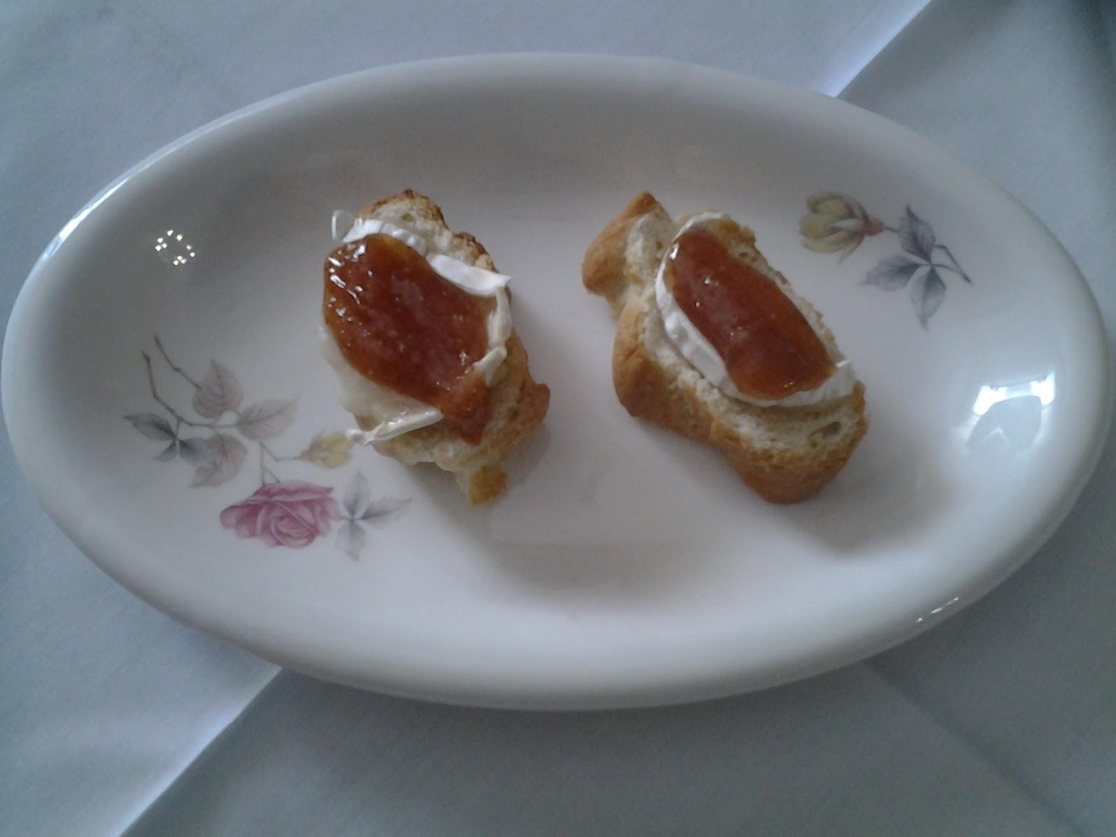 La gallina y sus polluelos canape de queso de cabra con for Canape queso de cabra
