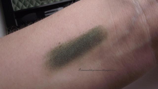Rimmel Glam Eyes Mono Eyeshadow Review - 120 Urban Green