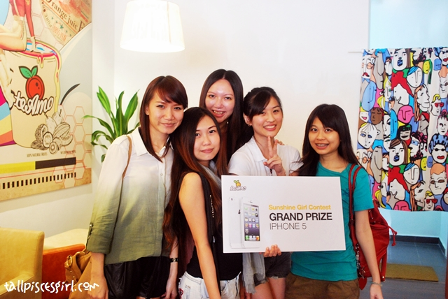 All the supporting bloggers and Sunshine Girl!!