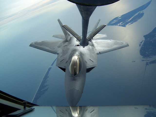f-22 raptor air refuelling