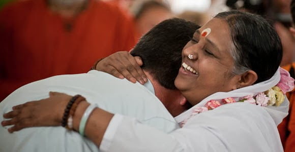 Mother Amma in London - The Hugging Saint