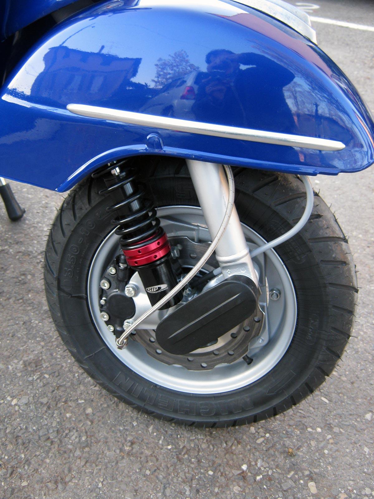 E 39 tutto un mondo vespa novembre 2011 for Kit per il portico anteriore