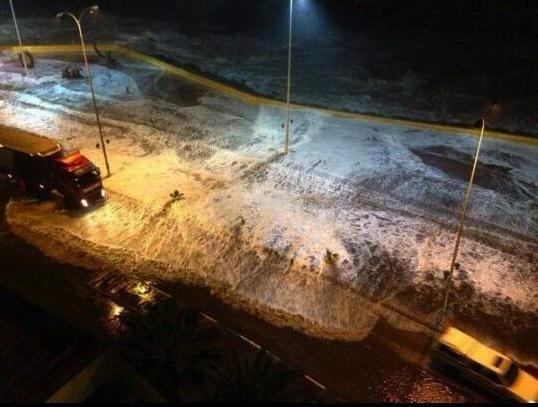 cientos de miles de personas están siendo evacuadas por tsunami chile