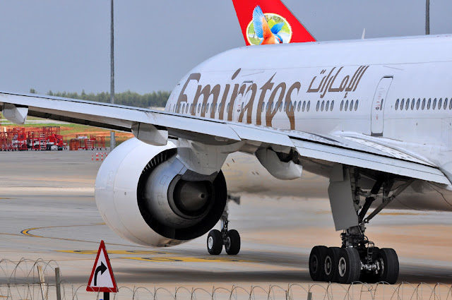 GE90-115B fitted on Emirates Boeing 777-300ER A6-EBL