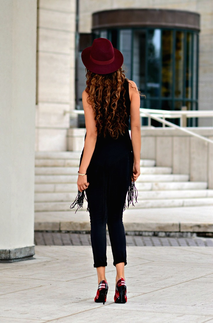 Tamara Chloé, TC Style Clues, Burgundy fedora hat, Myca Couture, Curly hair, Luxury for princess, Curly ombre hair