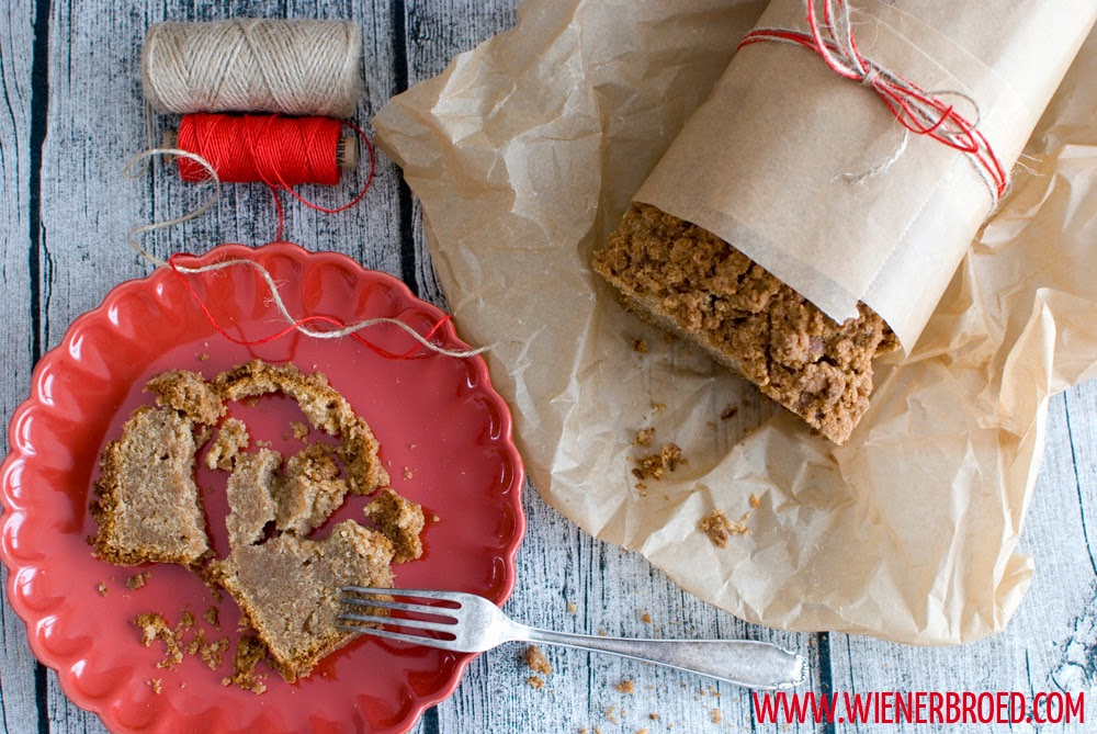 Caramel banana bread with cinnamon crust