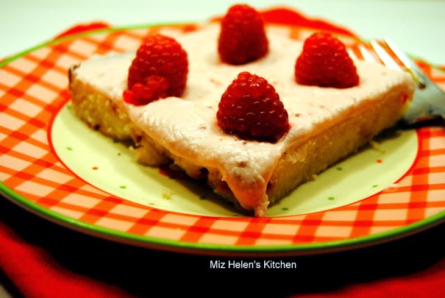 Raspberry Sheet Cake at Miz Helen's County Cottage